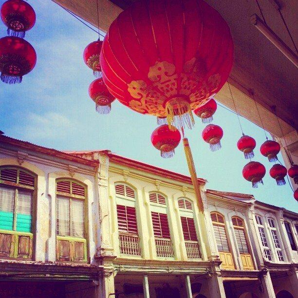 red chinese lanterns penang malaysia